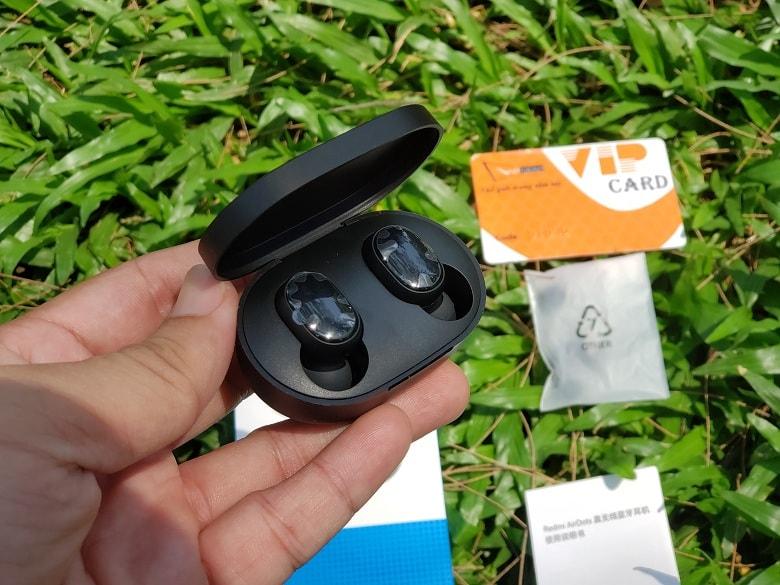 Thiết kế tai nghe Redmi AirDots giá rẻ