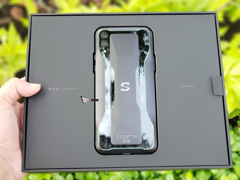 Hộp đựng của Xiaomi Black Shark 2 (12GB | 256GB)