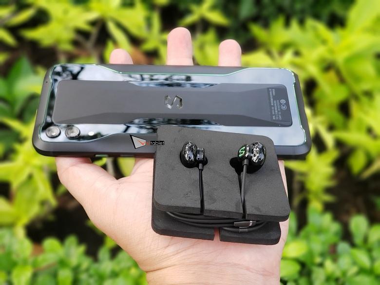 tai nghe của Xiaomi Black Shark 2 (12GB | 256GB) xách tay
