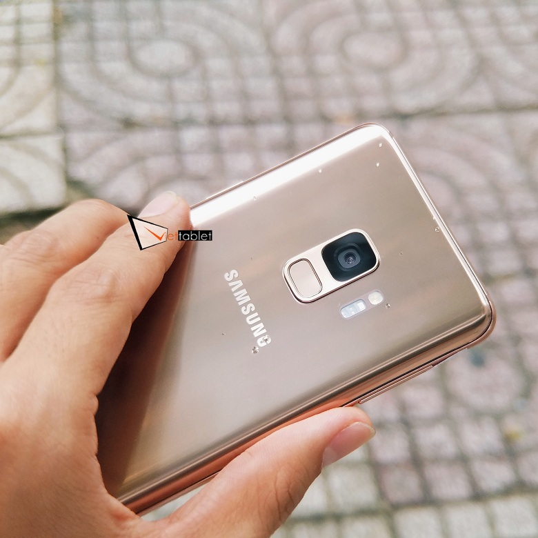 Samsung Galaxy S9 2 SIM có khả năng kháng nước, bụi