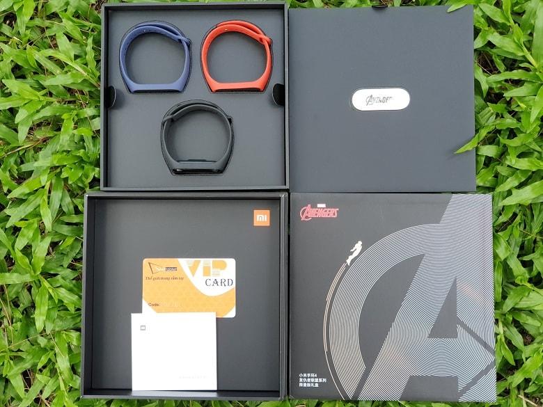 hộp của Xiaomi Mi Band 4 Avengers