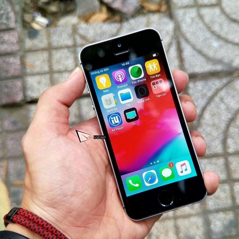 Màn hình hiển thị của iPhone SE 32GB quốc tế like new 99%