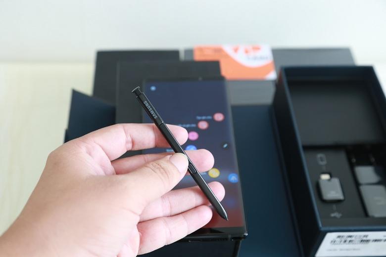 Bút S-Pen trên Galaxy Note 9 công ty