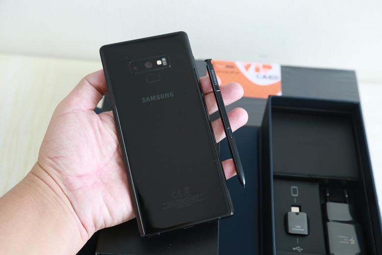 Trên tay Galaxy Note 9 công ty bản màu đen