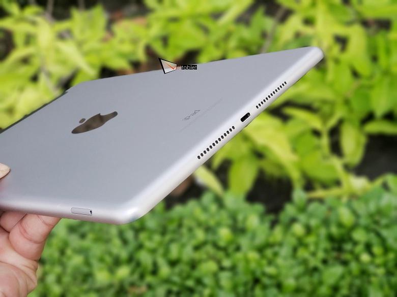 trên tay iPad Gen 6