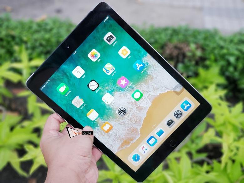 Màn hình iPad 9.7 inch (2018) lớn sắc nét