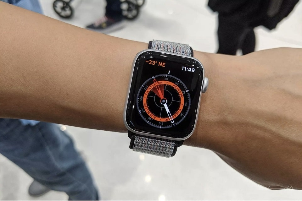 hiển thị của Apple Watch Series 5 (44 mm)