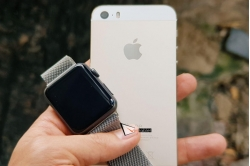 combo-apple-watch-s1-va-iphone-5s-moi-100-chua-active-gia-hoc-sinh-tieu-hoc