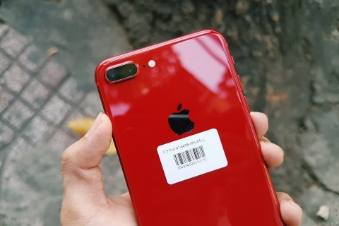 iphone-8-plus-64-256gb-hinh-thuc-te-camera-min_sh9v-v1
