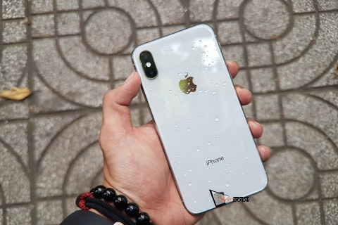 iphone-x-64-256gb-anh-thuc-te-mat-lung-min_133s-6a