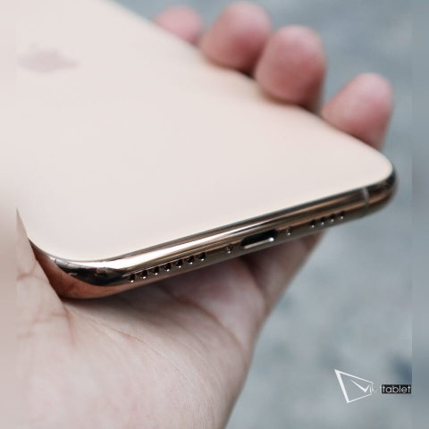 iphone-11-pro-anh-thuc-te-lightning