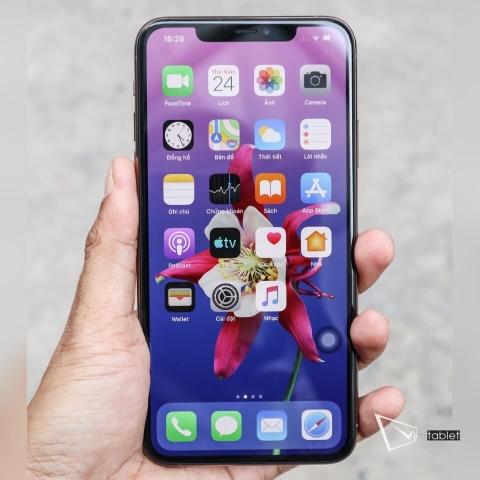 iphone-11-pro-anh-thuc-te-mat-truoc