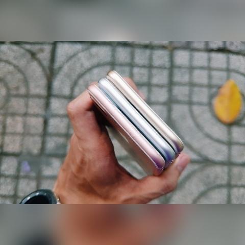 iphone-7-plus-anh-thuc-te-mat-canh-duoi-min_bxrw-6s_ofzm-vm