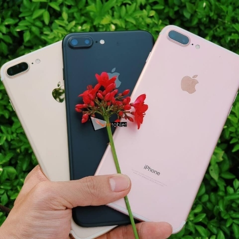 iphone-7-plus-anh-thuc-te-mat-sau-3-mau