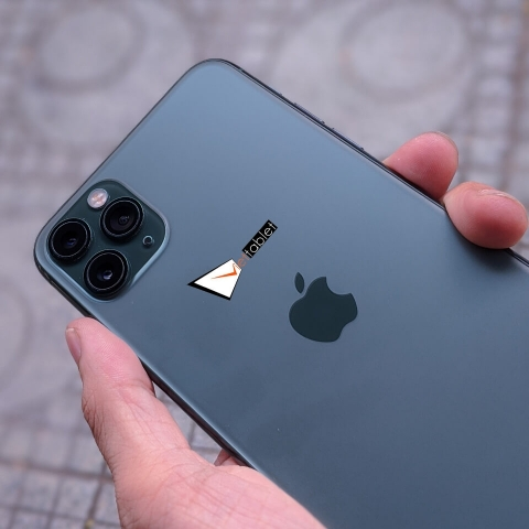 iphone-11-pro-max-anh-thuc-te-mat-sau-camera_d4pu-j1