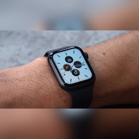 Apple-Watch-Series-5-anh-thuc-te-4