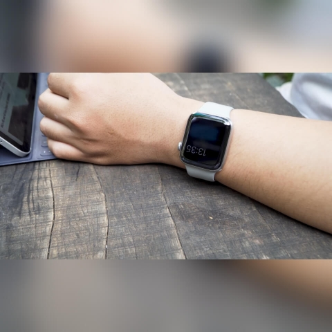 Apple-Watch-Series-5-anh-thuc-te-6